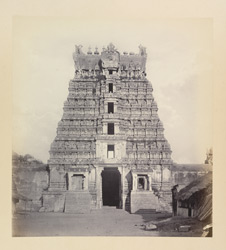 Ramisseram [Rameswaram] Pagoda, Island of Paumben. Pyramidal gateway at west entrance